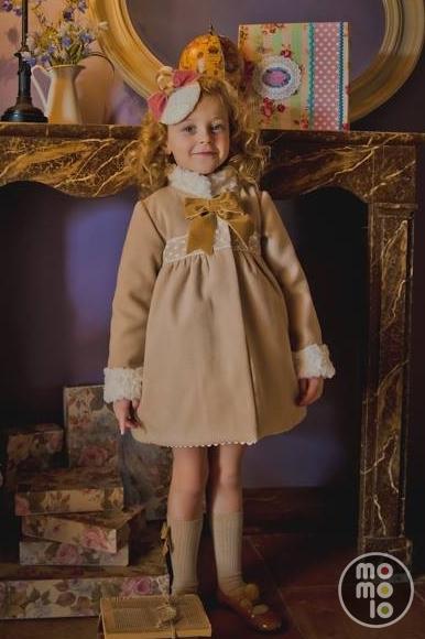 beb s chic abrigos para ni as en momolo street style kids la primer red social de moda. Black Bedroom Furniture Sets. Home Design Ideas